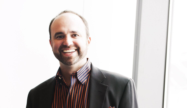 Joe Pulizzi mener, at en af de vigtigste content marketing-tendenser i 2015 er at integrere sin strategi